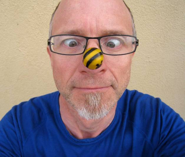Bee-on-nose2