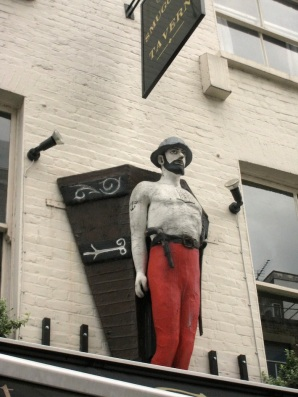 Warren Street, Smugglers' Tavern