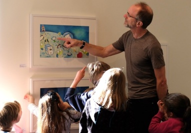 Here Michael is asking the kids to check out how Niamh Sharkey has drawn her cow, hen and rabbit - animals which appear in several of the images in the show.