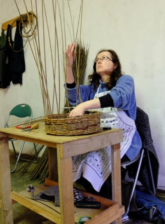 Seems I have a weaving face. Here I'm half way through making the rim.