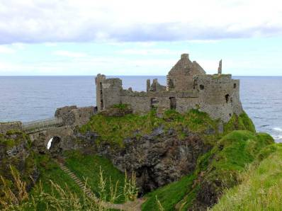 Dunluce Castle/Cair Paravel/Greyjoy